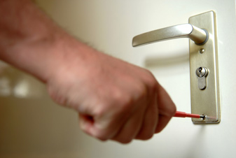 utilizing locksmith services
